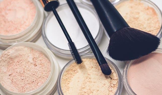 maquillaje polvos compactos